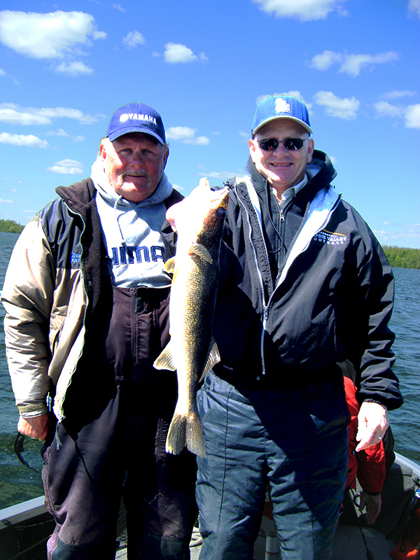 Charlie Worrath and clients walleye catch