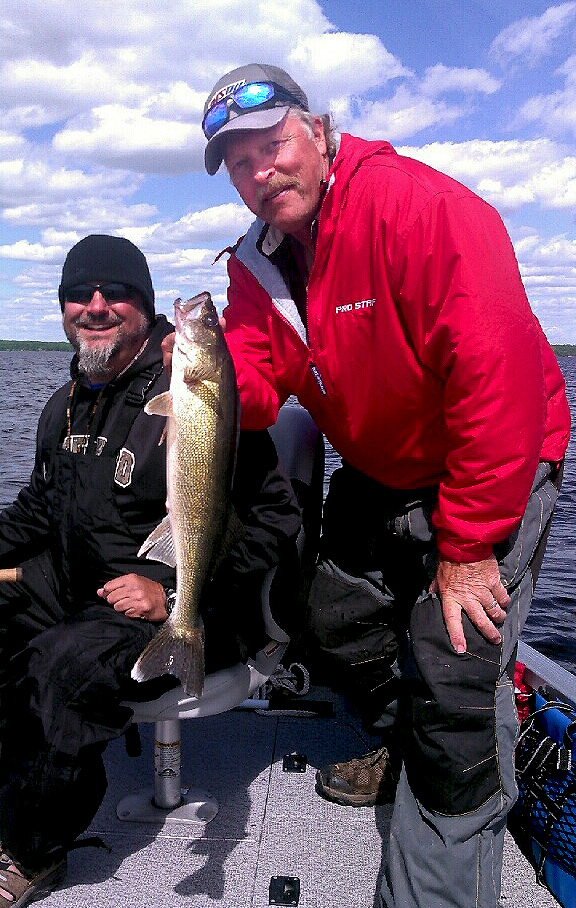 MN Fishing Pro Guide Jason Boser with walleye fishermen, 2016