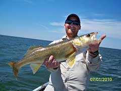 Deer River/ Lake Winnibigoshish Fishing Guide Jeff Skelly with happy fishing clients